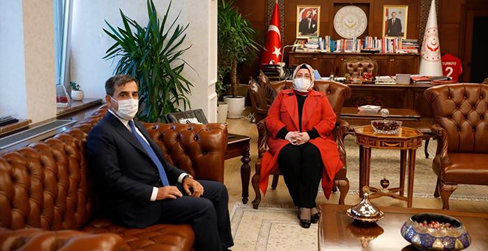 Genel Başkan Önder Kahveci Bakan Selçuk'u Ziyaret Etti